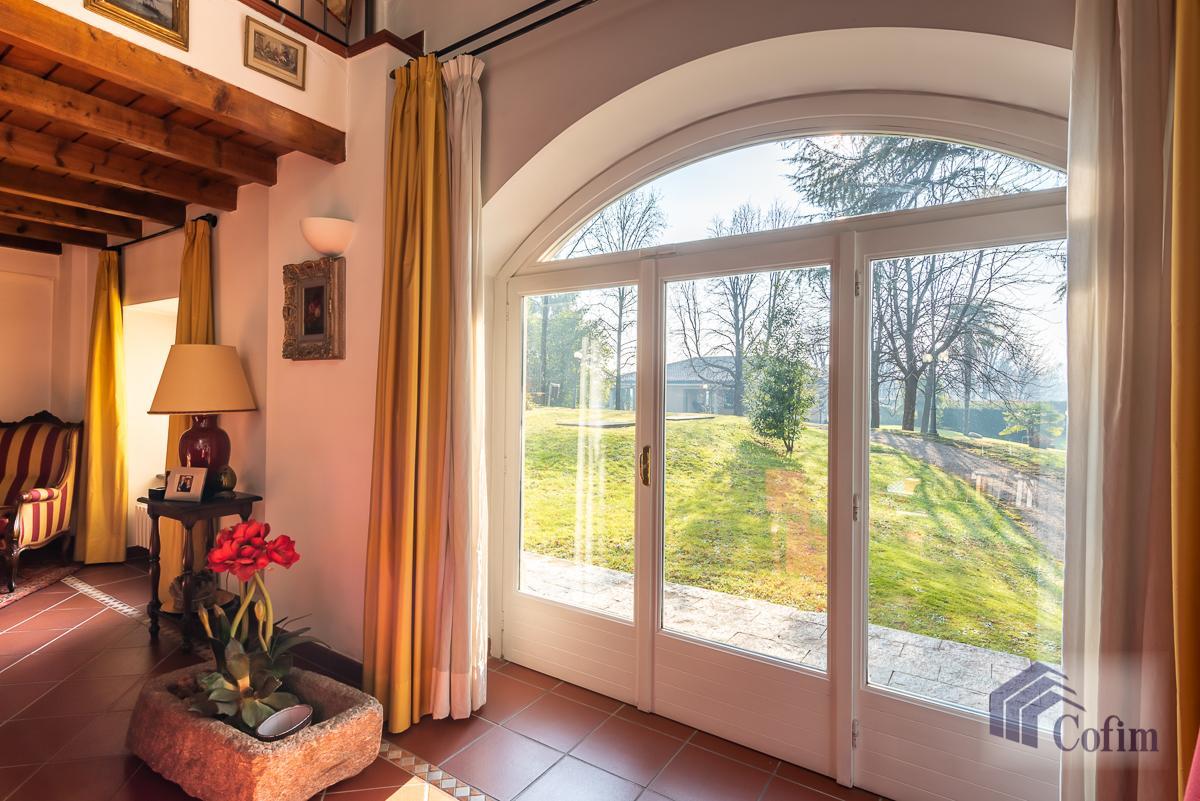 Villa singola nel parco secolare con piscina  Villa Raverio (Besana in Brianza) Vendita in Esclusiva - 25