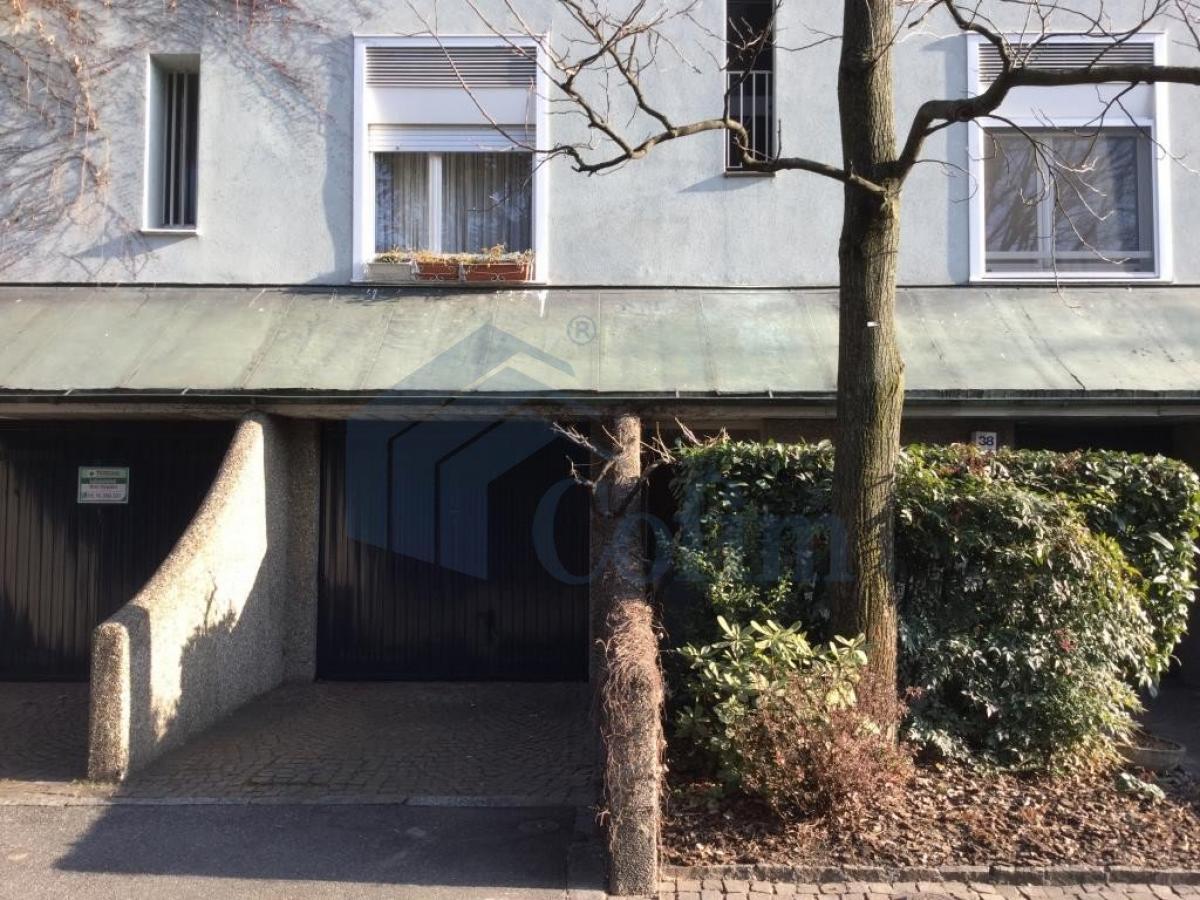 Box/Garage doppio in Settima Strada a  San Felice (Segrate) Vendita in Esclusiva - 2