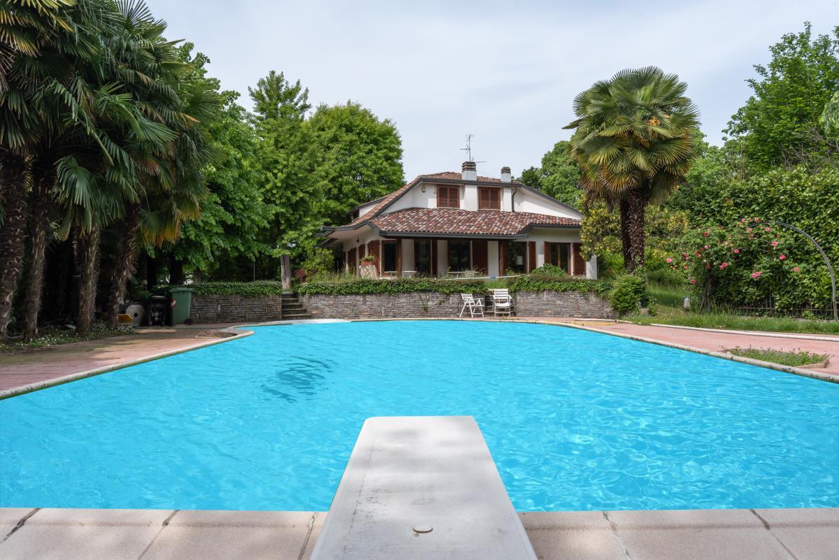 Villa singola con piscina  Lucino (Rodano) Vendita in Esclusiva - 6
