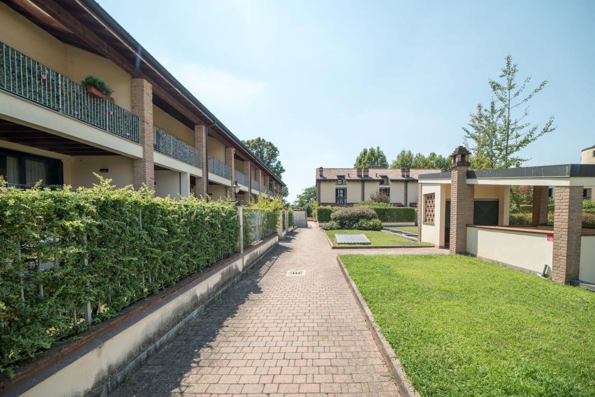 Trilocale ampio, su due livelli, nella  Residenza Longhignana (Peschiera Borromeo) Affitto in Esclusiva - 26