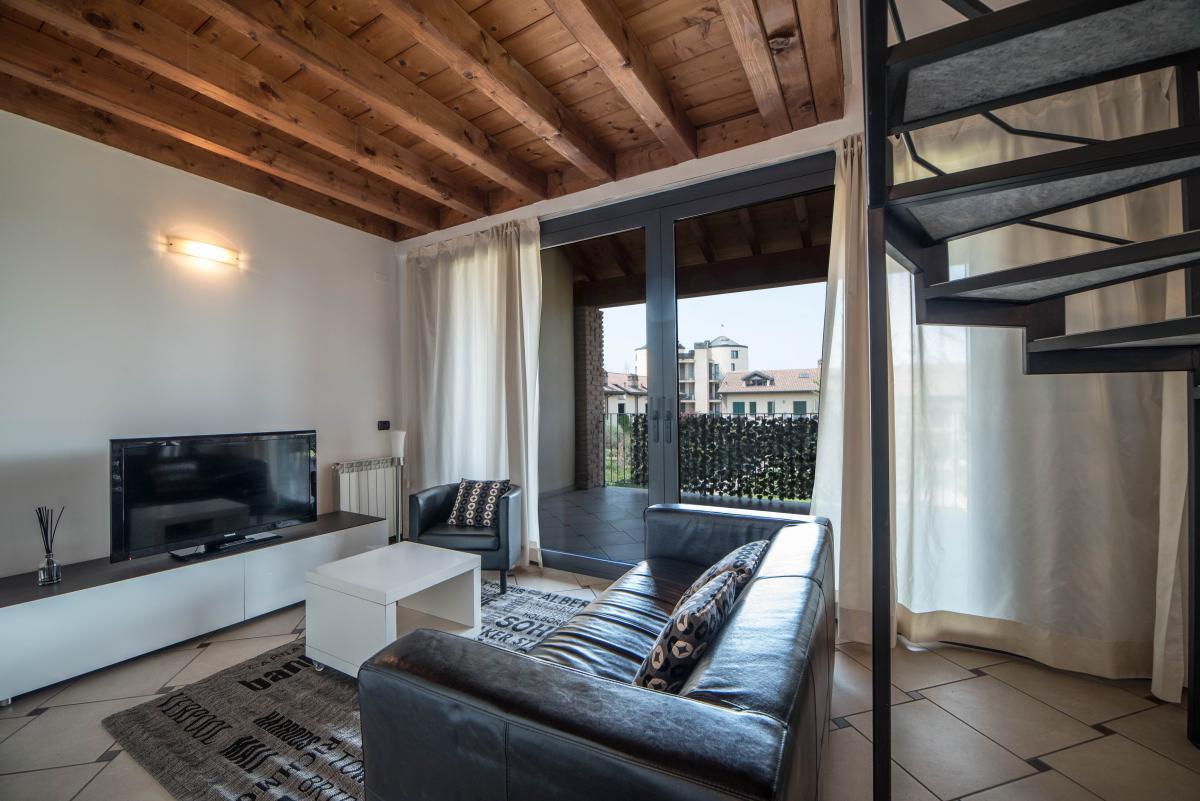 Trilocale ampio, su due livelli, nella  Residenza Longhignana (Peschiera Borromeo) Affitto in Esclusiva - 8