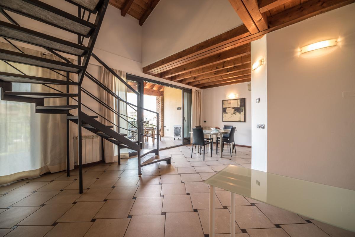 Trilocale ampio, su due livelli, nella  Residenza Longhignana (Peschiera Borromeo) Affitto in Esclusiva - 12