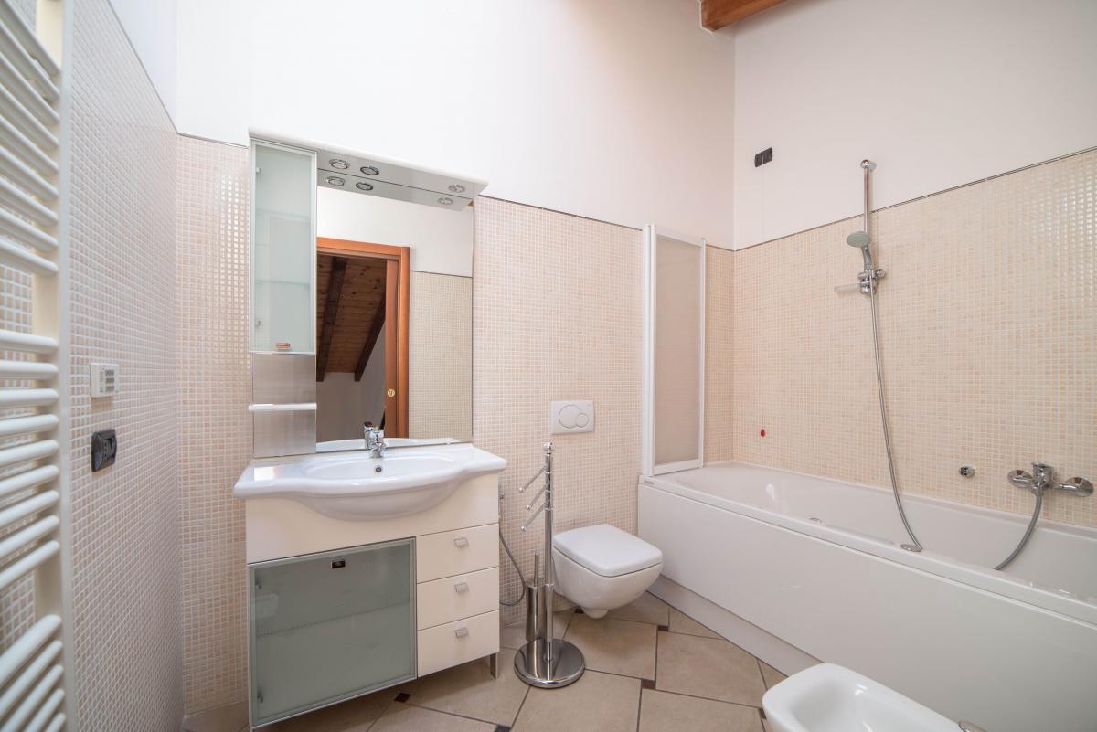 Trilocale ampio, su due livelli, nella  Residenza Longhignana (Peschiera Borromeo) Affitto in Esclusiva - 19