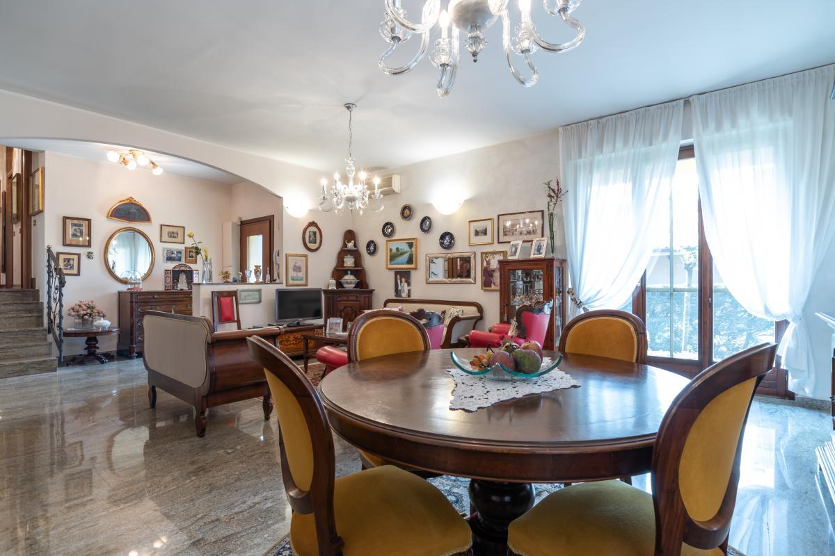 Villa singola con bilocale indipendente in  Bettola (Peschiera Borromeo) Vendita in Esclusiva - 10