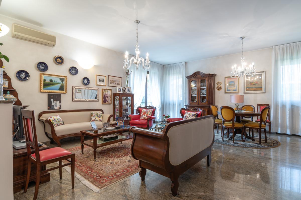 Villa singola con bilocale indipendente in  Bettola (Peschiera Borromeo) Vendita in Esclusiva - 9