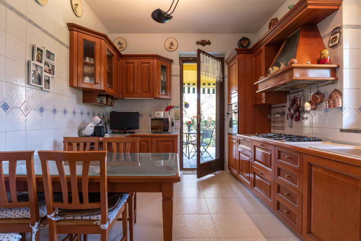 Villa singola con bilocale indipendente in  Bettola (Peschiera Borromeo) Vendita in Esclusiva - 11