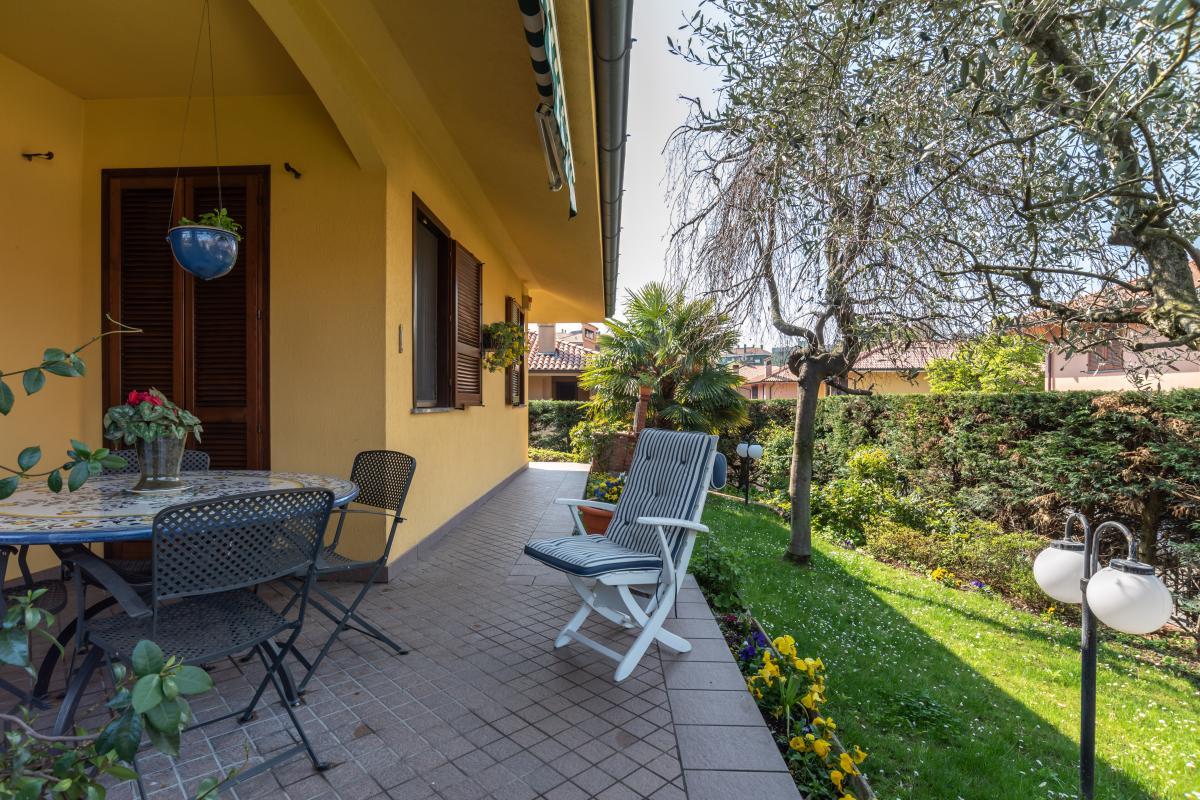 Villa singola con bilocale indipendente in  Bettola (Peschiera Borromeo) Vendita in Esclusiva - 3