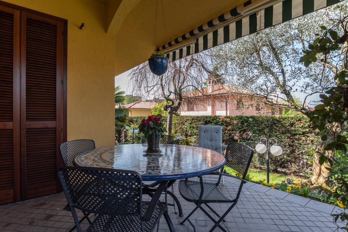 Villa singola con bilocale indipendente in  Bettola (Peschiera Borromeo) Vendita in Esclusiva - 2