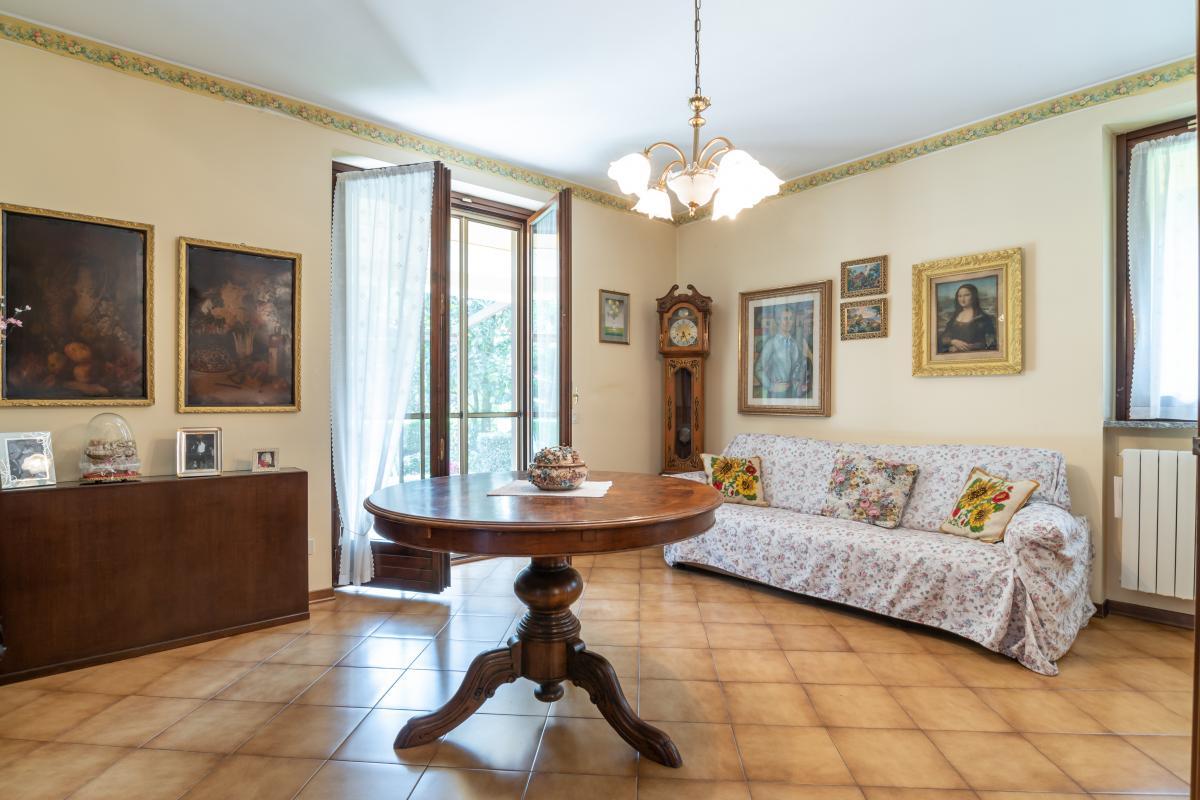 Villa singola con bilocale indipendente in  Bettola (Peschiera Borromeo) Vendita in Esclusiva - 23