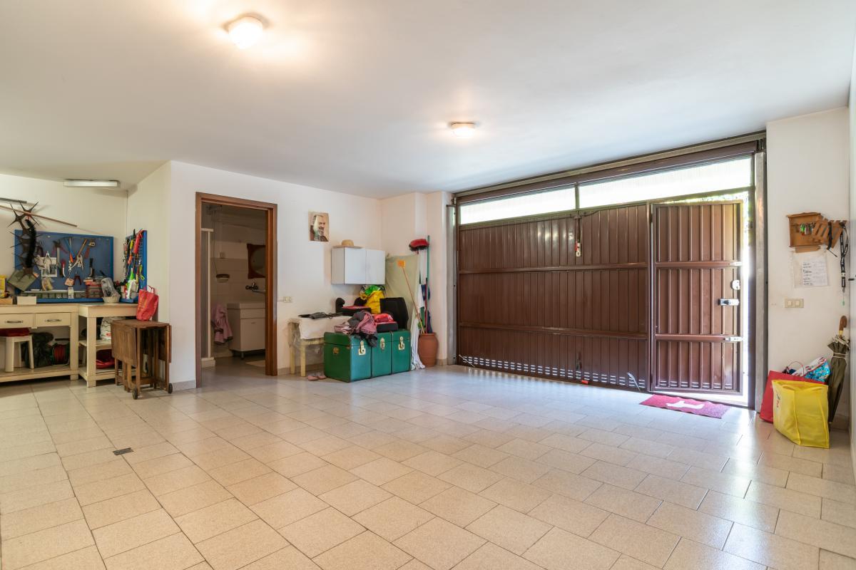 Villa singola con bilocale indipendente in  Bettola (Peschiera Borromeo) Vendita in Esclusiva - 32