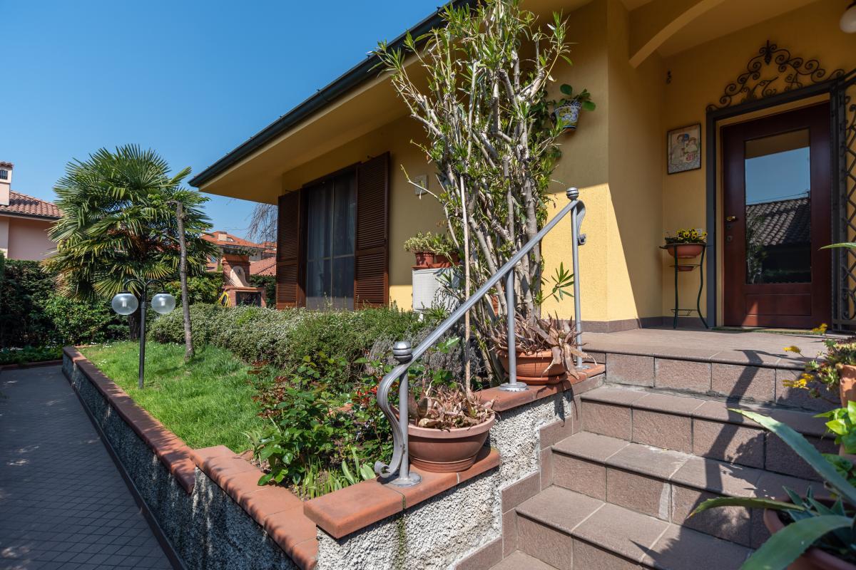 Villa singola con bilocale indipendente in  Bettola (Peschiera Borromeo) Vendita in Esclusiva - 4