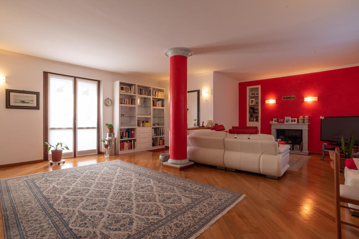 Attico prestigioso con terrazzo e balconi a  Bettola (Peschiera Borromeo) in Vendita - 3