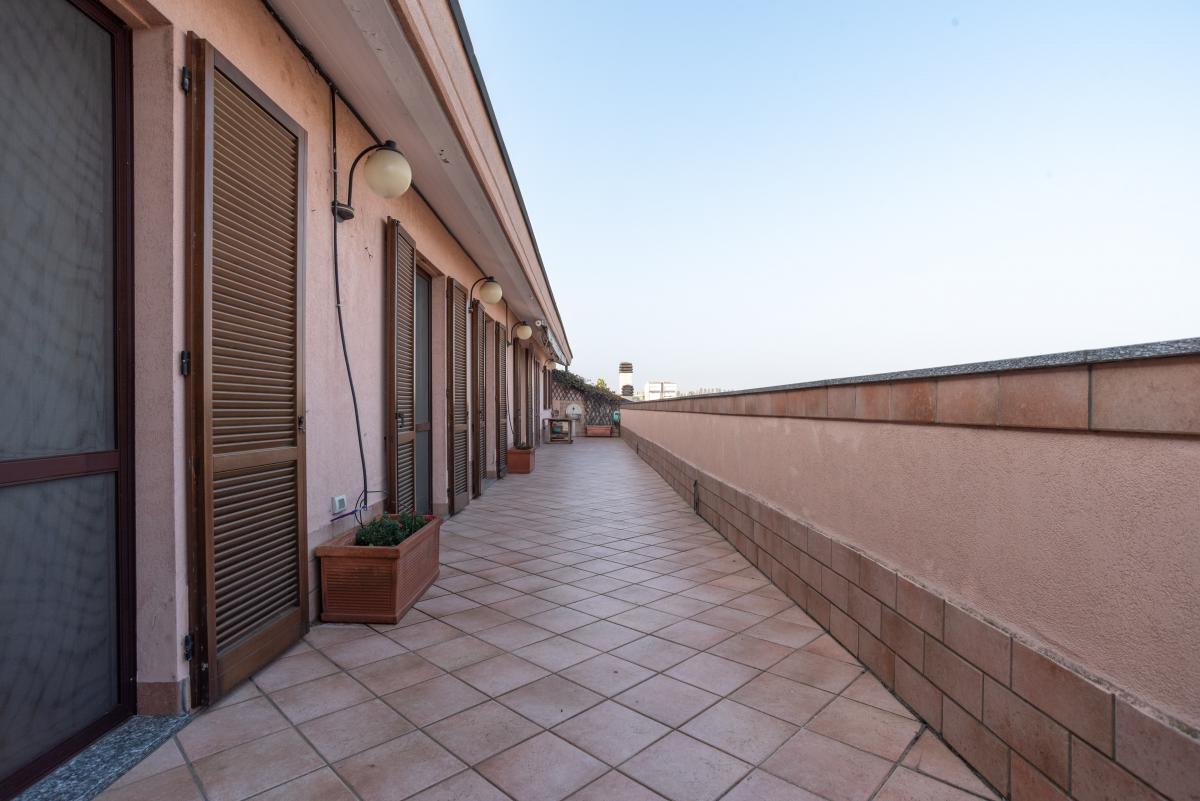 Attico prestigioso con terrazzo e balconi a  Bettola (Peschiera Borromeo) in Vendita - 4
