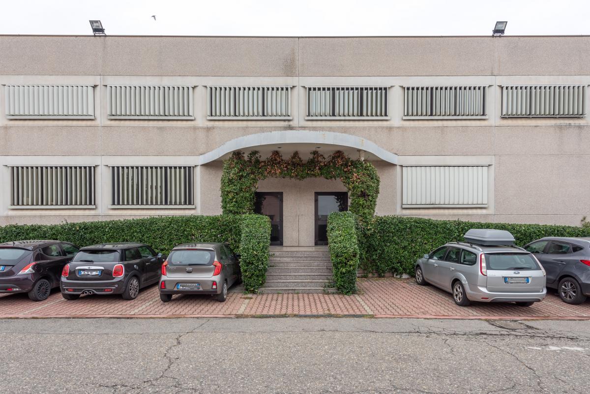 Capannone + Uffici ristrutturati  Segrate (Segrate) Vendita in Esclusiva - 14