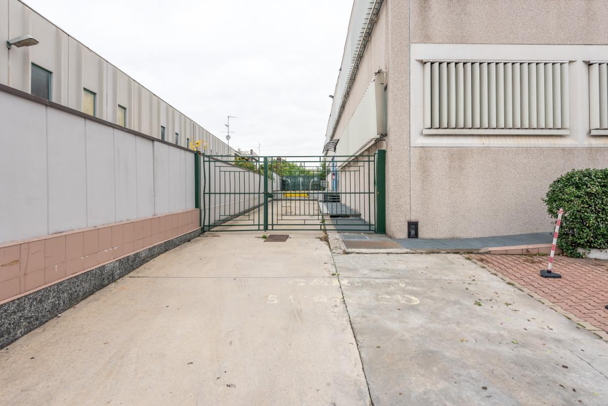 Capannone + Uffici ristrutturati  Segrate (Segrate) Vendita in Esclusiva - 17