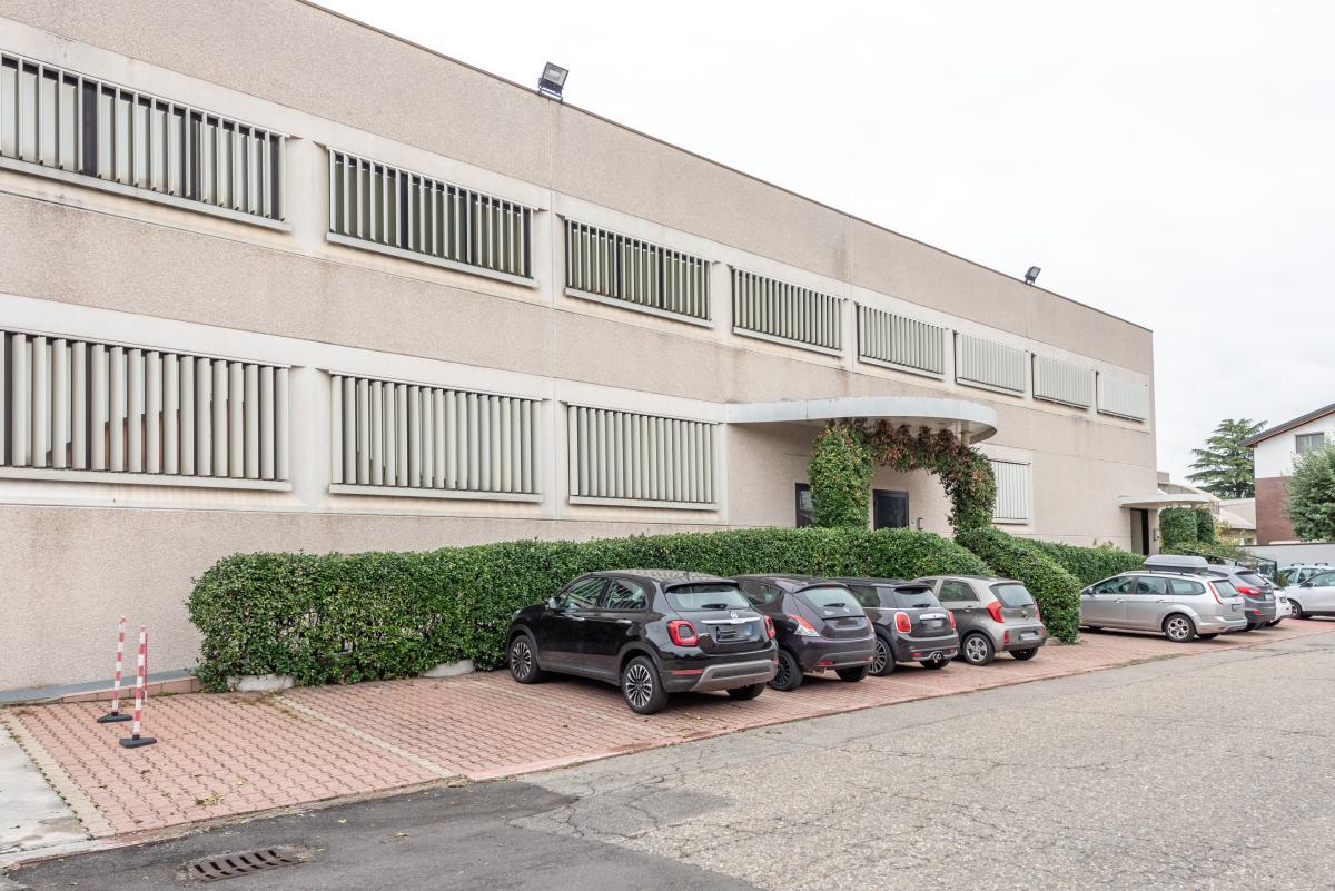 Capannone + Uffici ristrutturati  Segrate (Segrate) Vendita in Esclusiva - 16