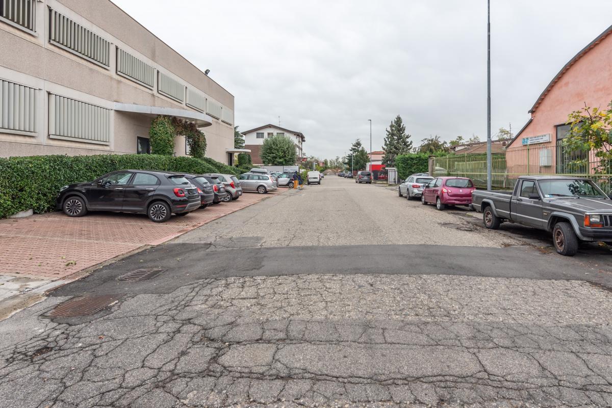 Capannone + Uffici ristrutturati  Segrate (Segrate) Vendita in Esclusiva - 20