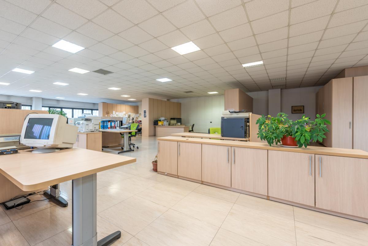 Ufficio luminoso e ampio  Segrate (Segrate) Vendita in Esclusiva - 2