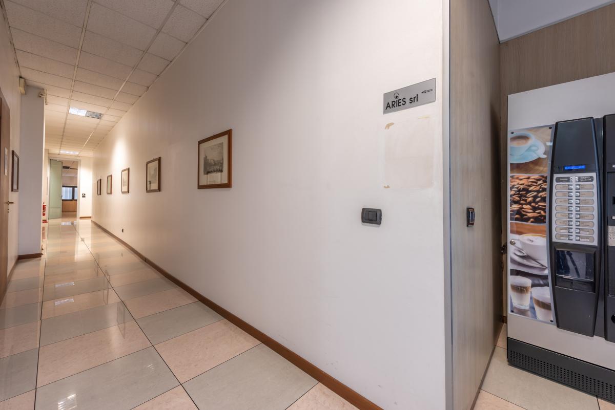 Ufficio luminoso e ampio  Segrate (Segrate) Affitto in Esclusiva - 8
