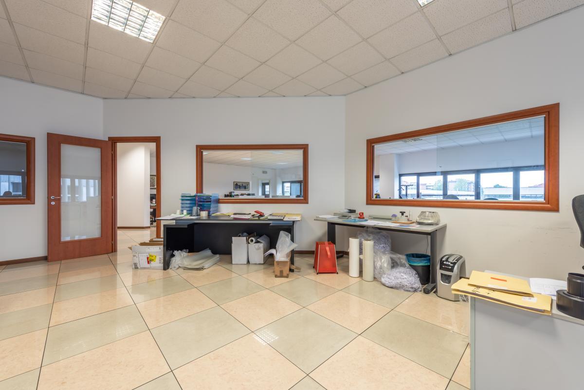 Ufficio luminosissimo  Segrate (Segrate) Vendita in Esclusiva - 16
