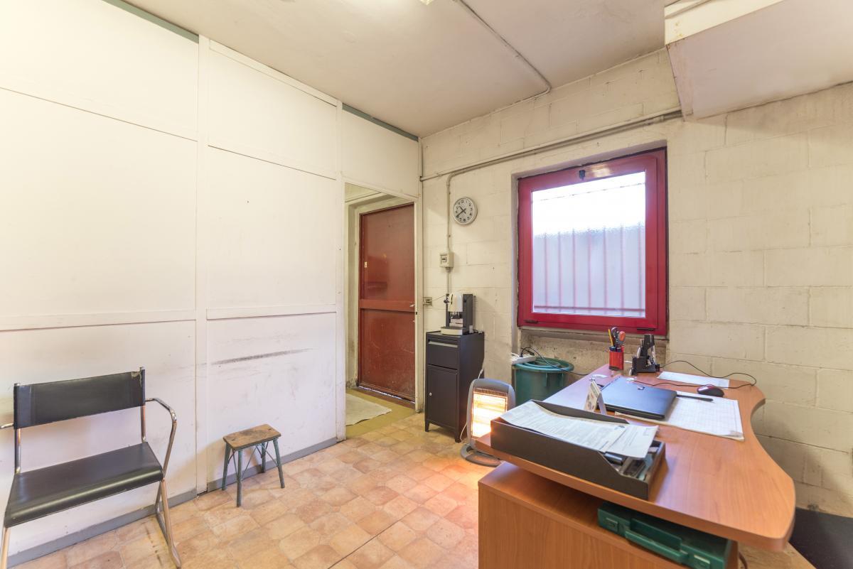 Magazzino spazioso in  San Felice (Segrate) Vendita in Esclusiva - 1