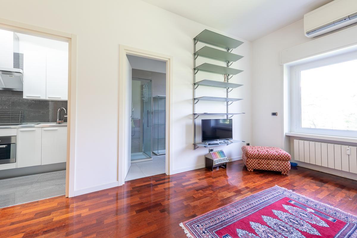 Monolocale elegante ristrutturato e arredato  San Felice (Segrate) Affitto in Esclusiva - 4