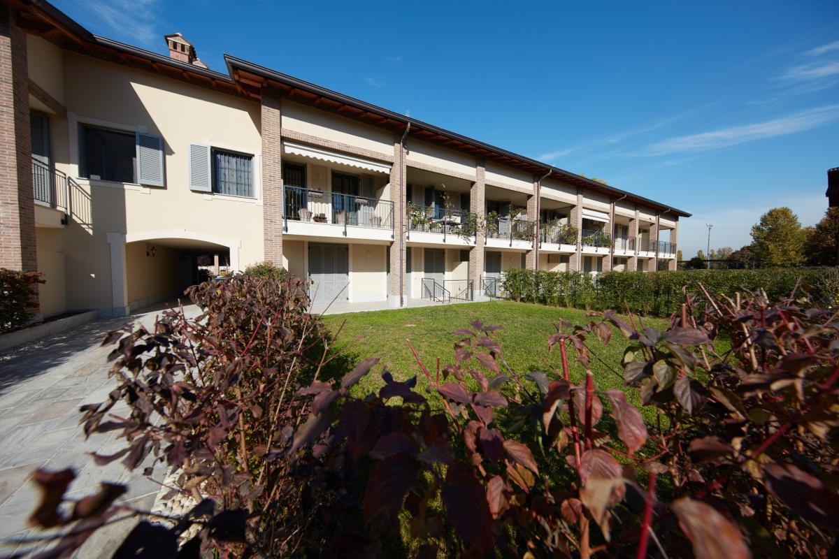 Trilocale nuovo con giardino e taverna in   San Bovio (Peschiera Borromeo) Vendita in Esclusiva - 2