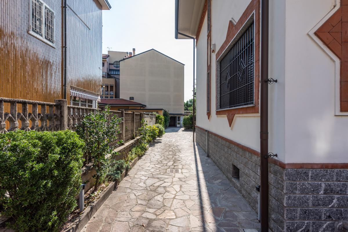 Villa singola ottime condizioni  Bettola (Peschiera Borromeo) in Vendita - 4