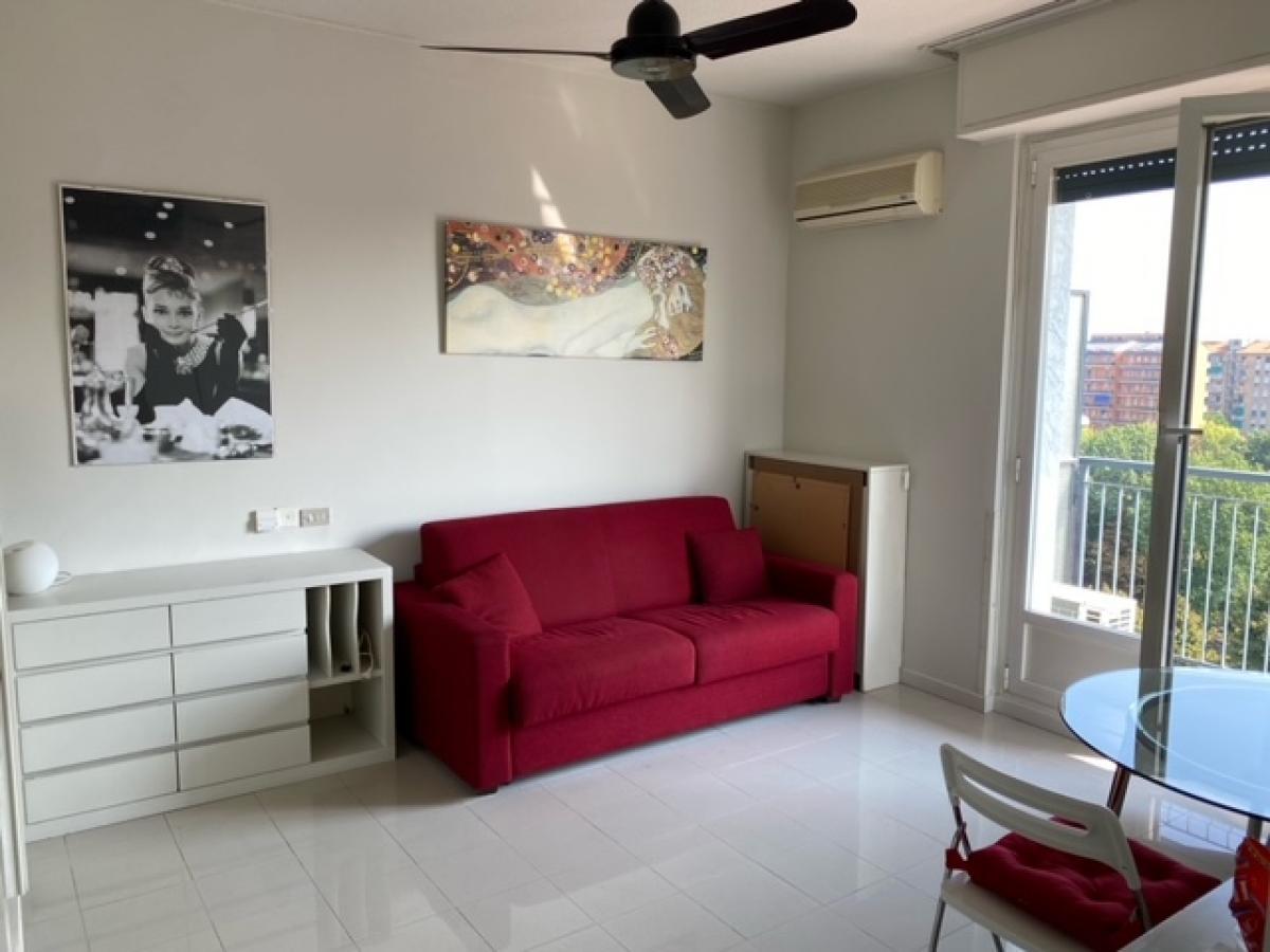 Monolocale Milano (Bande Nere) - in Affitto