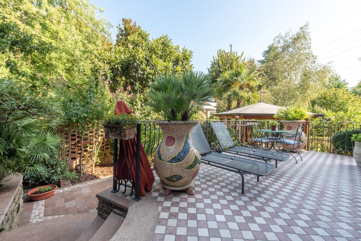 Trilocale prestigioso con giardino  Bellaria (Peschiera Borromeo) Vendita in Esclusiva - 1