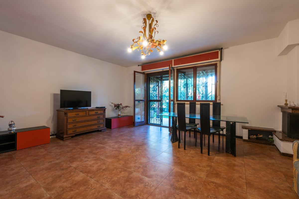 Villa a schiera con grande giardino  Millepini (Rodano) Affitto in Esclusiva - 5