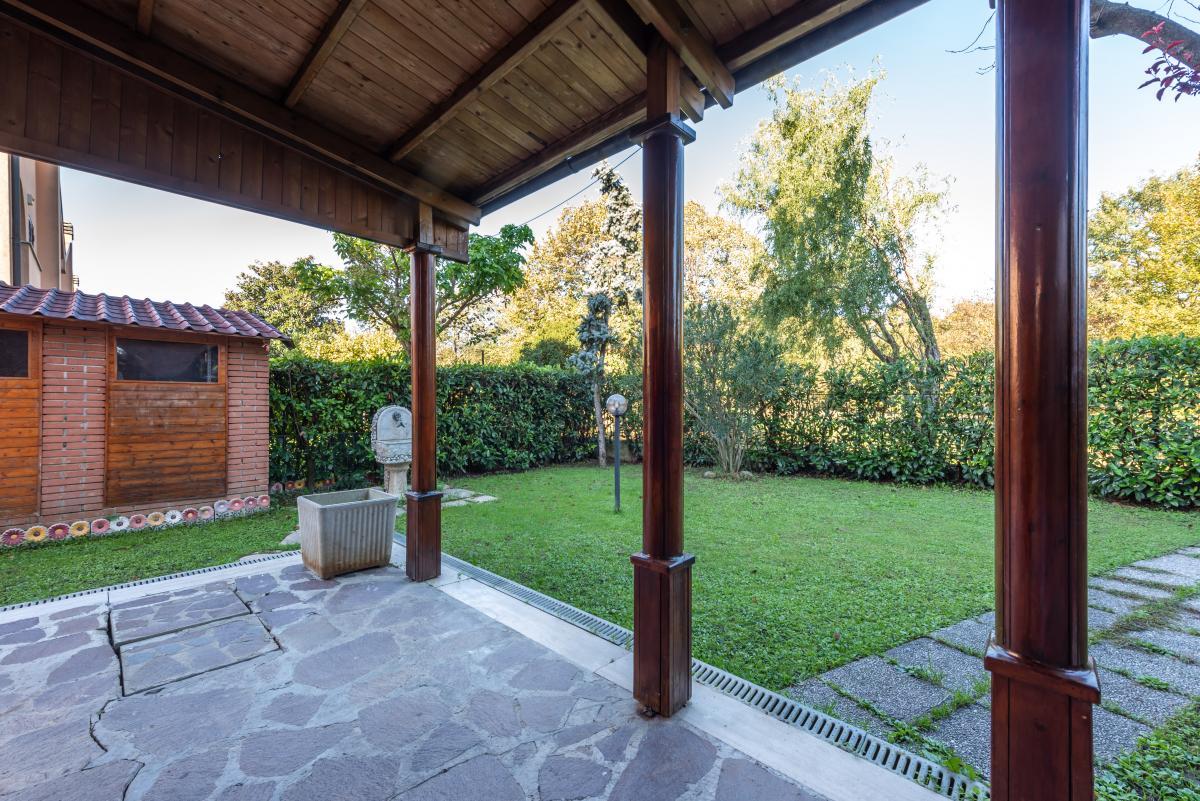 Villa a schiera con grande giardino  Millepini (Rodano) Affitto in Esclusiva - 3