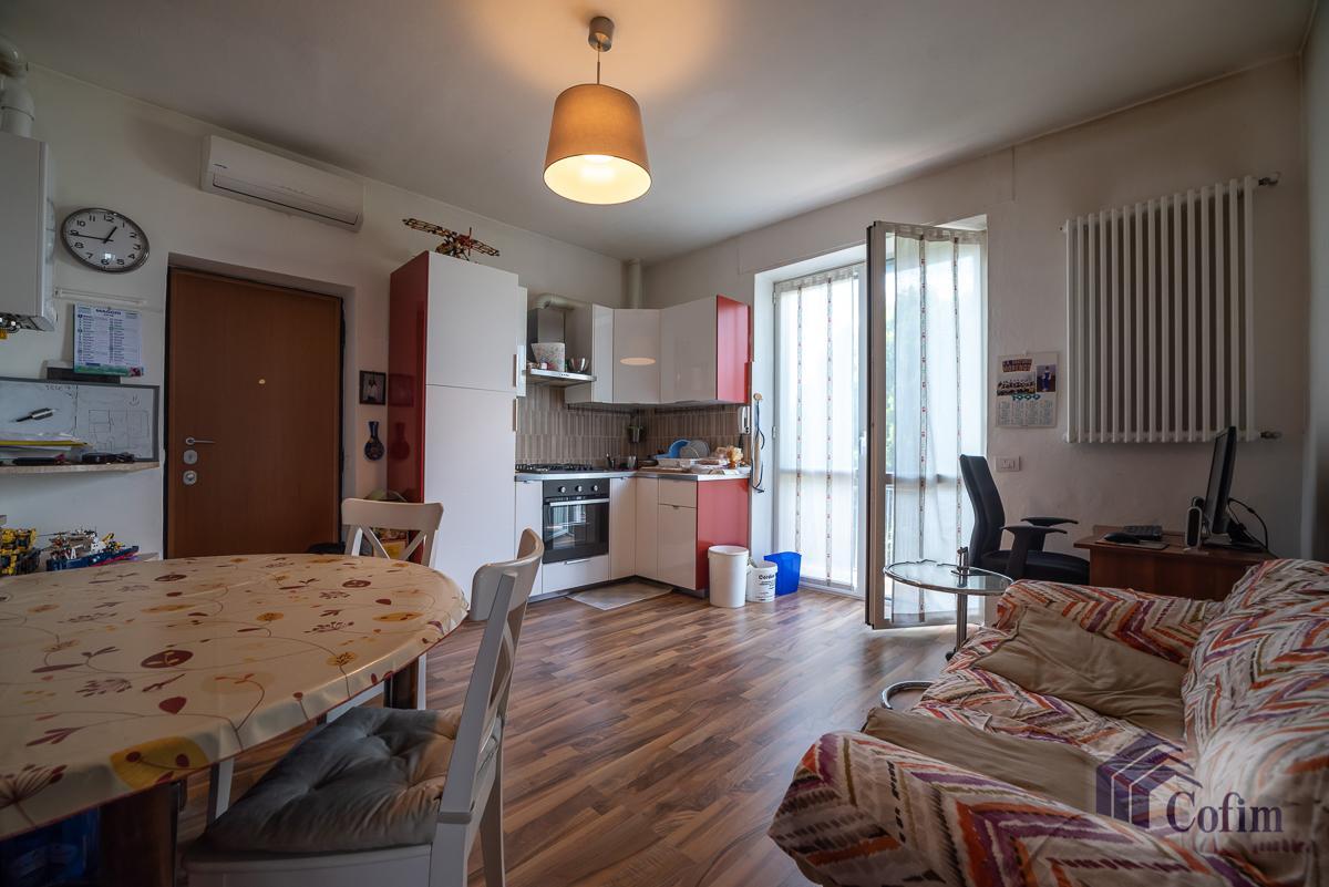 Villa singola suddivisa in 4 appartamenti  Canzo (Peschiera Borromeo) Vendita in Esclusiva - 28