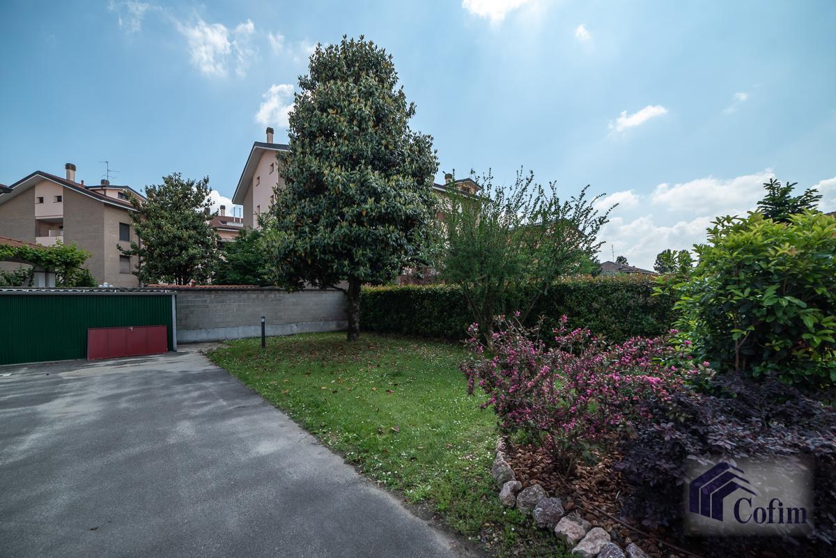 Villa singola suddivisa in 4 appartamenti  Canzo (Peschiera Borromeo) Vendita in Esclusiva - 39