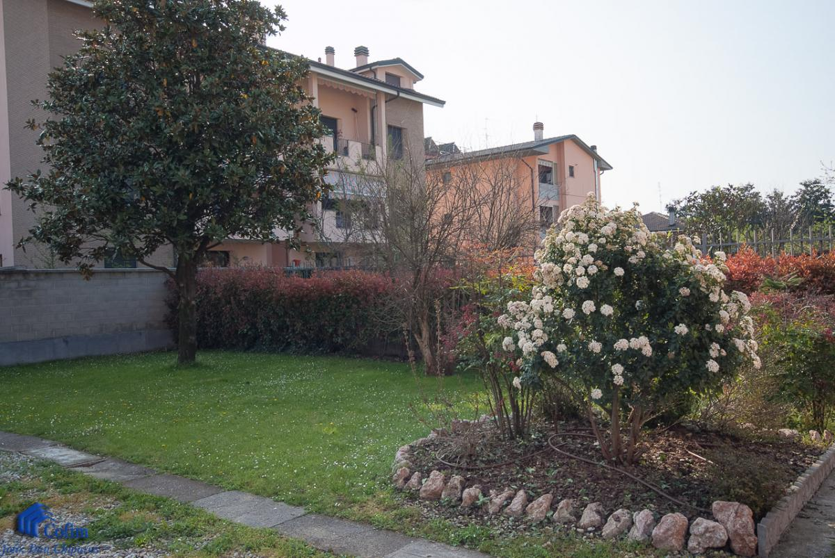 Villa singola suddivisa in 4 appartamenti  Canzo (Peschiera Borromeo) Vendita in Esclusiva - 4