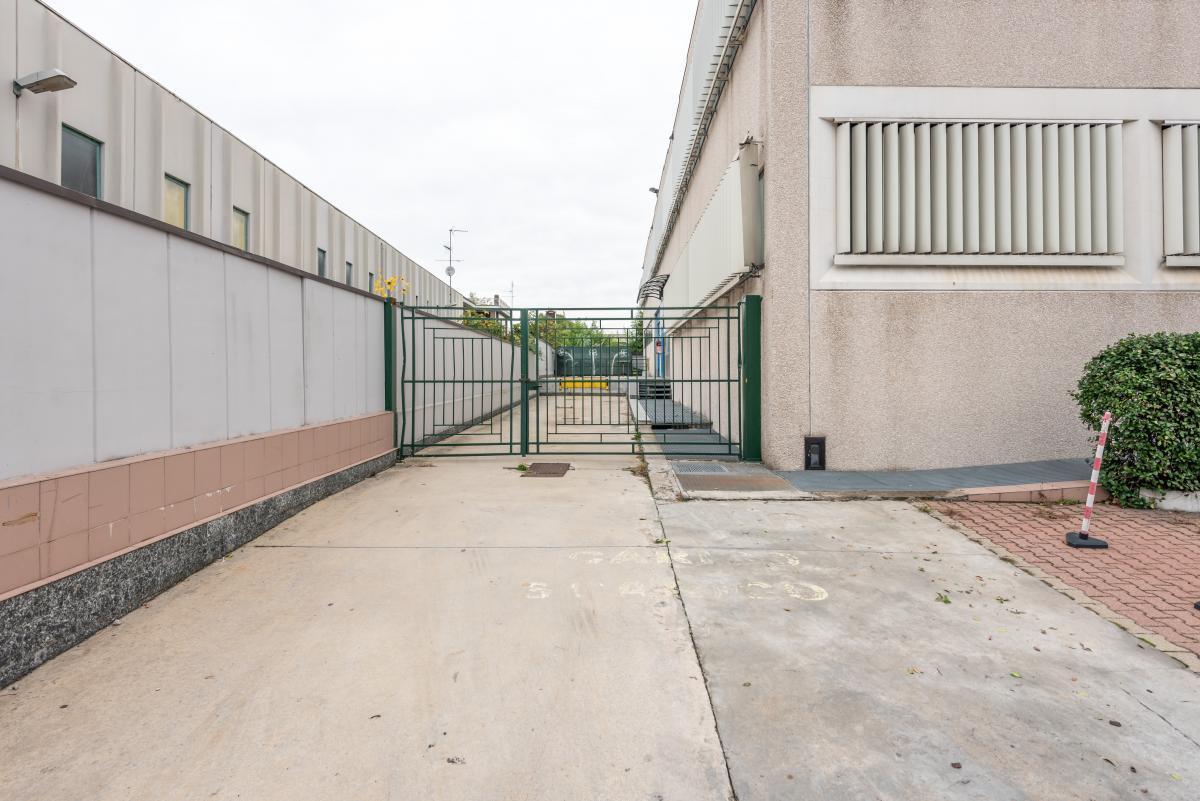 Capannone + Uffici ristrutturati  Segrate (Segrate) Affitto in Esclusiva - 13