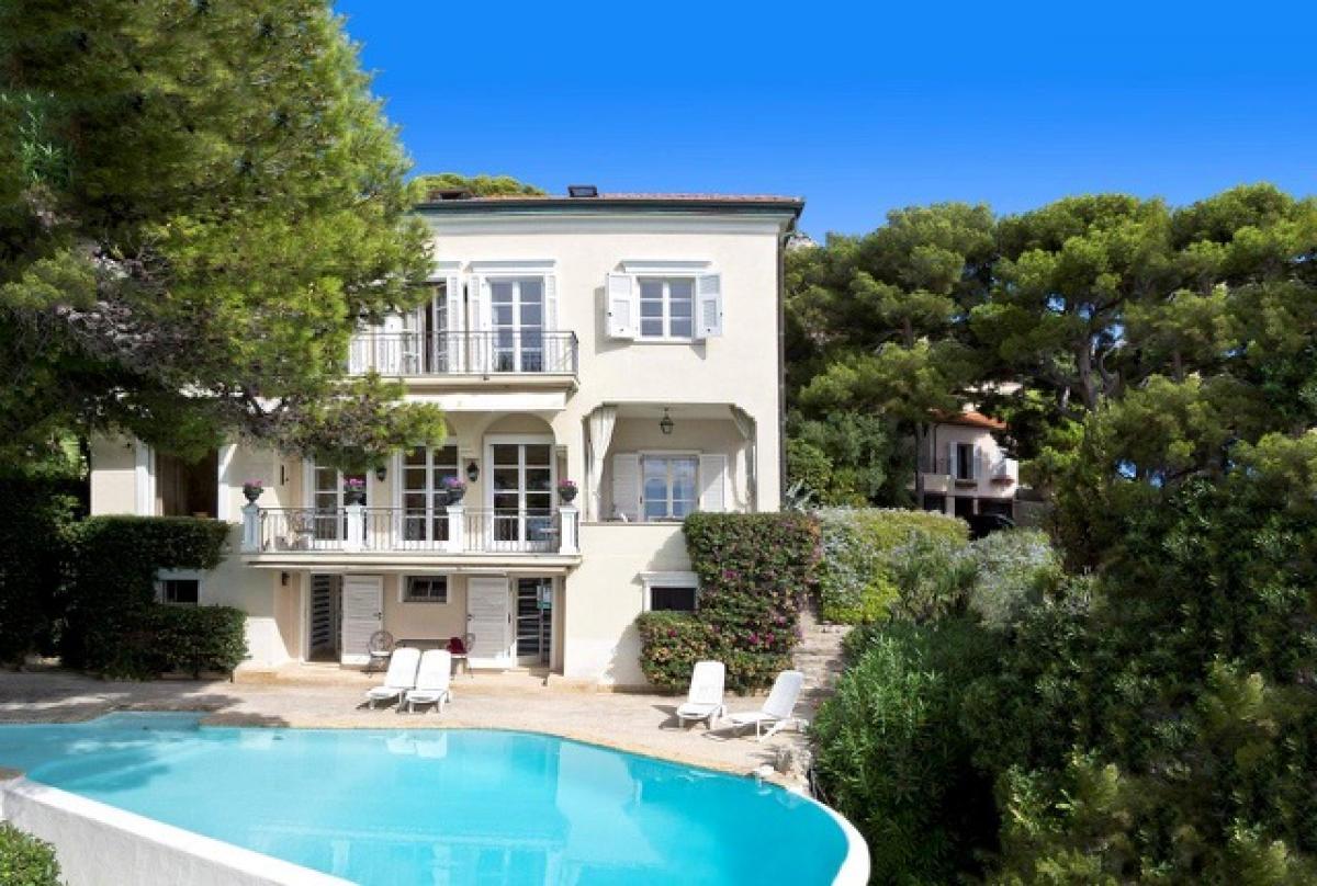 Villa singola di lusso a Cap D'Ail   in Vendita - 1