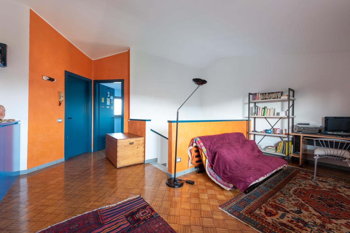 Villa a schiera con grande giardino privato  Lucino (Rodano) Vendita in Esclusiva - 28