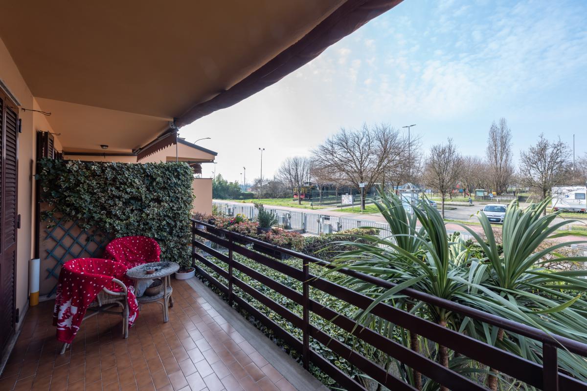 Villa a schiera con grande giardino privato  Lucino (Rodano) Vendita in Esclusiva - 8