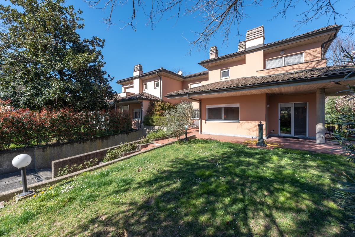 Villa singola prestigiosa  San Felice (Segrate) in Vendita - 1