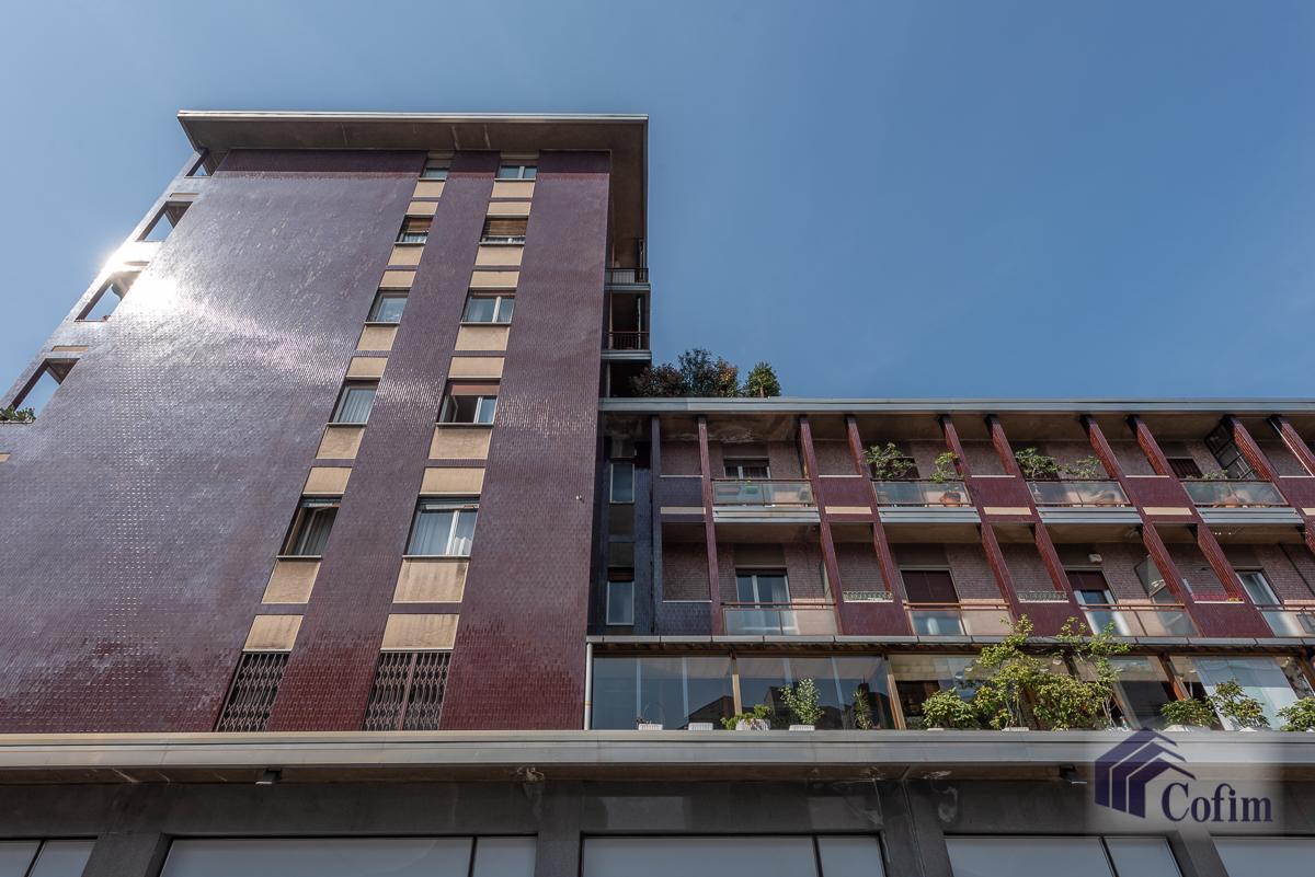 Quadrilocale con terrazzo loggiato  Milano (Lambrate) Vendita in Esclusiva - 3
