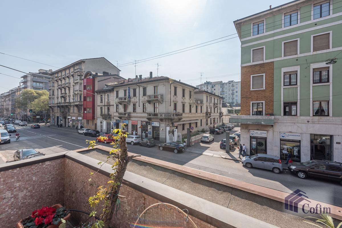 Quadrilocale con terrazzo loggiato  Milano (Lambrate) Vendita in Esclusiva - 9
