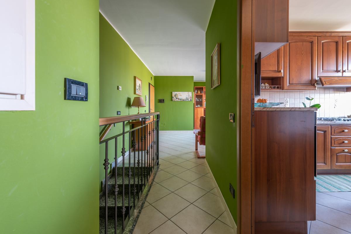 Trilocale con terrazzo e piccolo giardino  Bettolino (Mediglia) Vendita in Esclusiva - 12