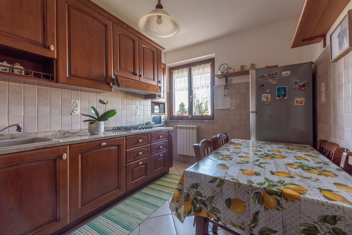 Trilocale con terrazzo e piccolo giardino  Bettolino (Mediglia) Vendita in Esclusiva - 13