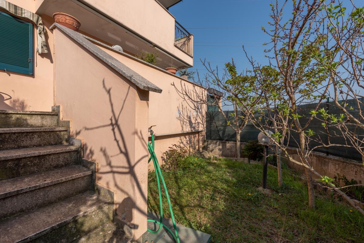 Trilocale con terrazzo e piccolo giardino  Bettolino (Mediglia) Vendita in Esclusiva - 8