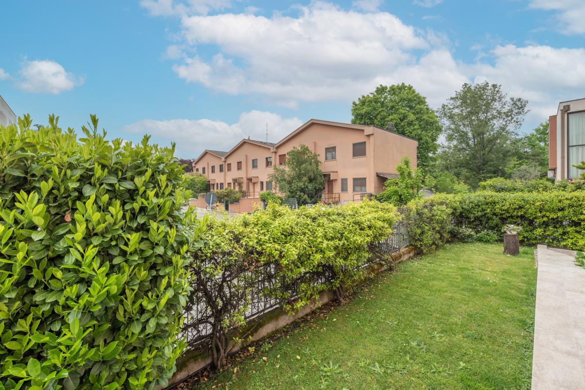 Villa a schiera ottimo stato  Millepini (Rodano) Vendita in Esclusiva - 11