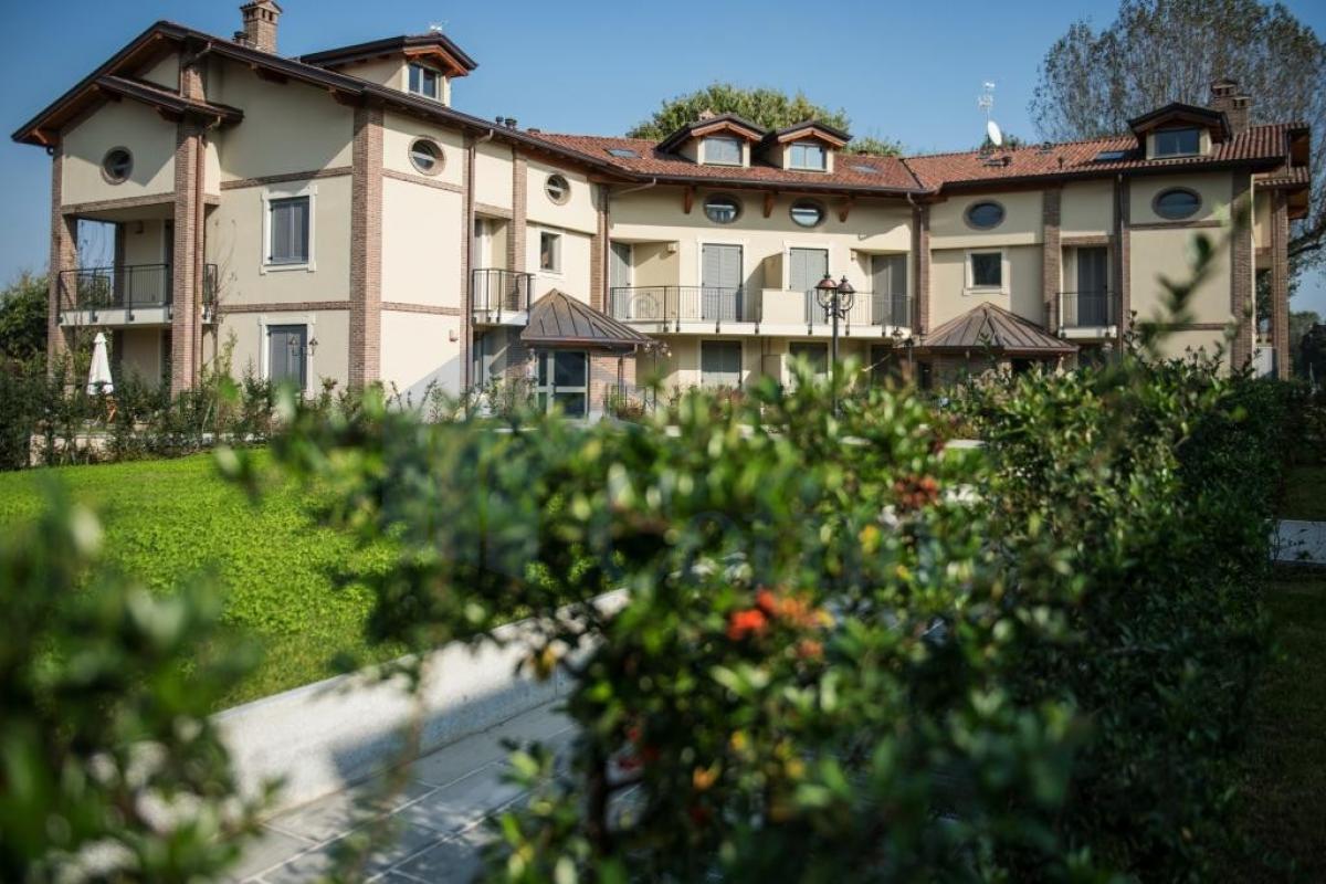 Trilocale nuovo con giardino e taverna in  San Bovio (Peschiera Borromeo) Vendita in Esclusiva - 1