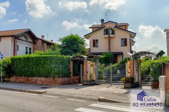 Villa bifamiliare Peschiera Borromeo LD6679
