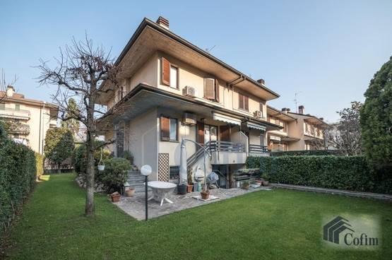 Villa a schiera Peschiera Borromeo LD7141