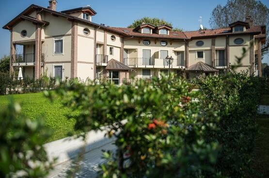 Villa a schiera Peschiera Borromeo LM7974